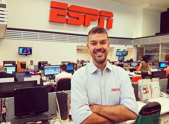 Pedro Ivo Almeida renovou e segue na emissora.