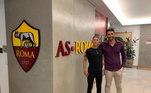 O meia Pedro Lopes assinou contrato com a Roma por quatro anos e vai jogar no time sub-15 da equipe italiana. A promessa brasileira, que já mira a convocação para a seleção brasileira da categoria, estava no Frosinone, também da Itália