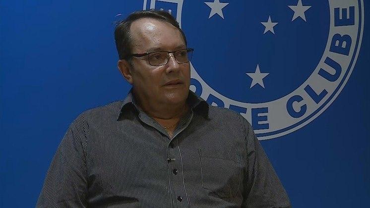 Pedro Lourenço, dono dos Supermercados BH, é cruzeirense fanático. Além disso, é conselheiro do clube, dando ajuda financeira à Raposa de diversas formas. Sua rede de supermercados é a atual patrocinadora master do time mineiro. No entanto, ele também tem algumas participações no rival Atlético-MG. Apesar de não existirem dados sobre o patrimônio pessoal de Pedro, a rede BH já é a 7ª maior rede de supermercados do Brasil, tendo um faturamento próximo a R$ 7,5 bilhões no ano de 2020.
