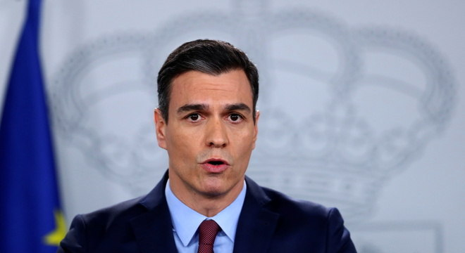 Sánchez disse que a fronteira com Portugal permanecerá fechada por mais tempo