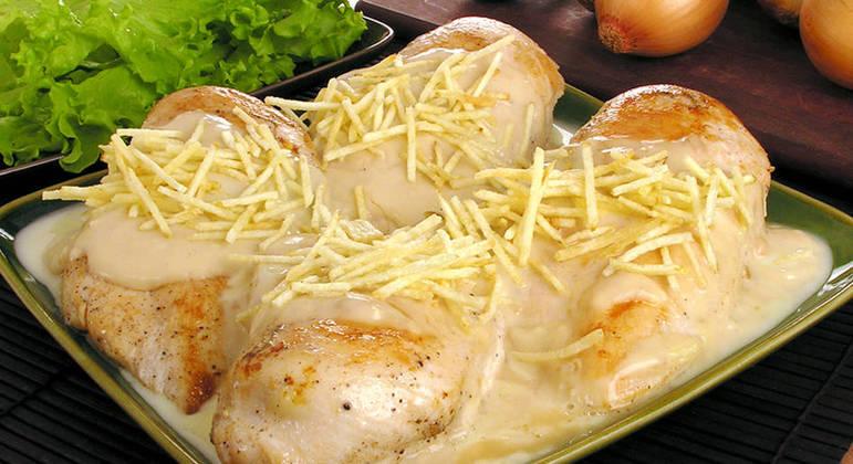 Peito de frango com requeijão