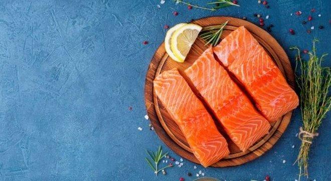 Uma pessoa que é alérgica a peixes como atum ou salmão não é necessariamente alérgica a mariscos