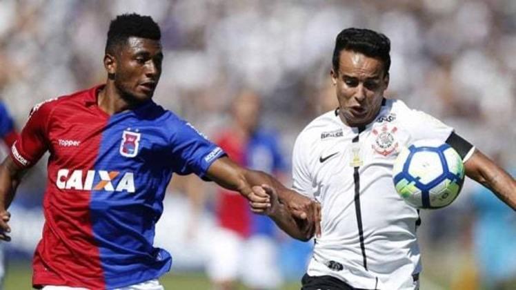 Pela segunda rodada do Brasileirão de 2018, o Corinthians venceu o Paraná Clube por 4 a 0, em plena Vila Capanema. Rodriguinho, Sidcley, Gabriel e Clayson marcaram para o Timão.