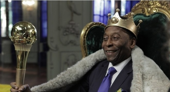 Pelé se veste de rei para vender. Virou exímio garoto-propaganda