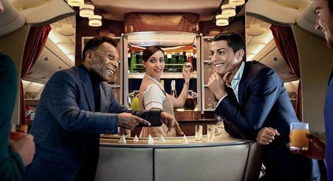Pelé segue tentando compensar o que não ganhou em campo com publicidade