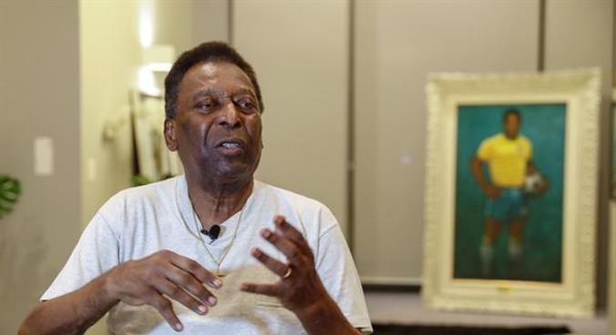 Pelé está internado após retirada de tumor e se recupera bem, segundo hospital