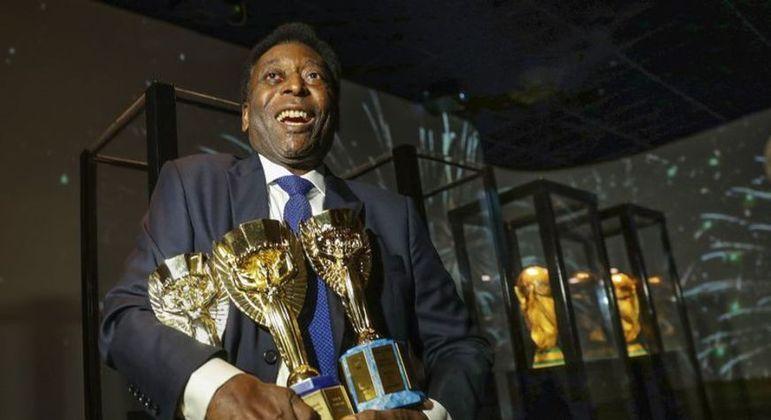 Pelé convive com longo histórico de internações nos últimos anos
