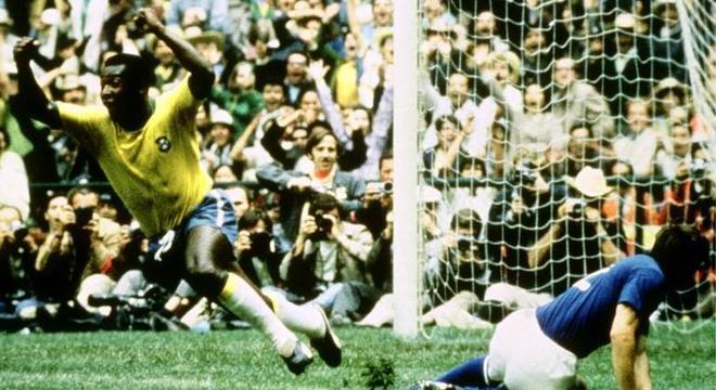Pelé comemora, Brasil 1 X 0 Itália