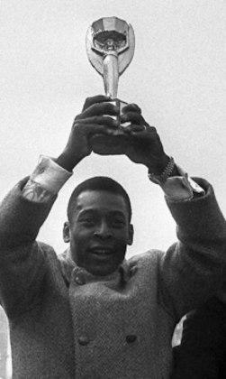 Pelé: 77 gols em 91 jogos pela seleção do Brasil.