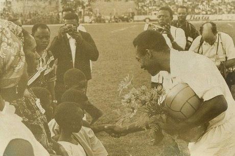 Pelé foi homenageado em Kinshasa, em 1969