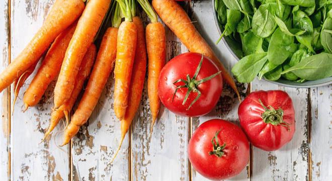 Pele de verão: 5 alimentos que ajudam a manter a saúde da cútis