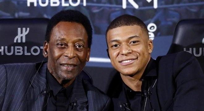 Pelé e Mbappé participam de evento publicitário em Paris