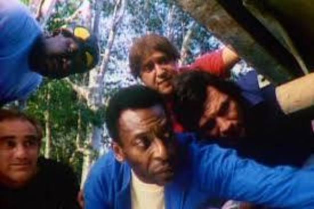 Pelé fez uma tabelinha com o grupo