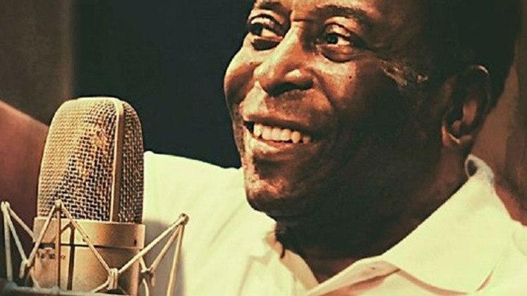 Pelé já foi compositor e participou de um álbum em conjunto com a cantora Elis Regina, em 1969. Porém, foi uma música de 1998, chamada