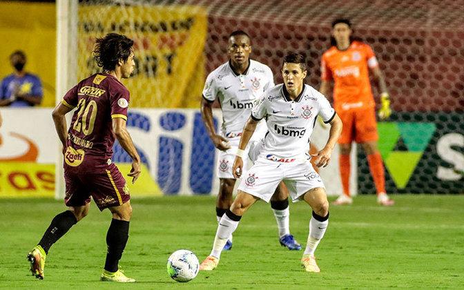 Pelo Brasileirão, o Corinthians recebe o Atlético Goianiense às 21:30. A partida terá transmissão da Globo (SP) e do Premiere.