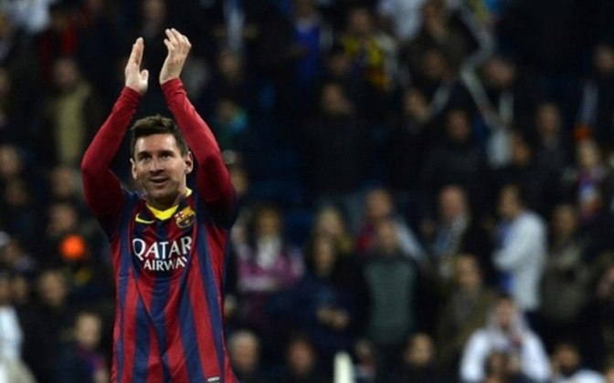 Pelo Campeonato Espanhol, mais um jogaço de Messi, dessa vez contra o maior rival do Barcelona em pleno Bernabéu. A equipe catalã venceu o Real Madrid, de virada, por 4 a 3 com três gols de Messi.