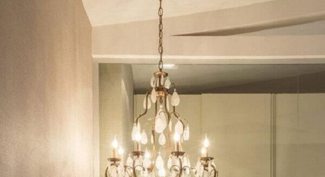 pendente de cristal para quarto com formato candelabro