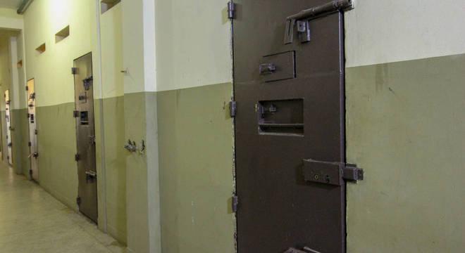 Agentes penitenciários são afastados do trabalho