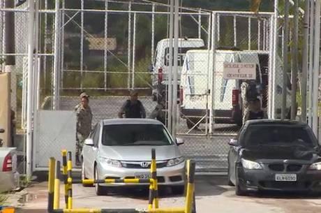 Homem que está detido foi levado para hospital