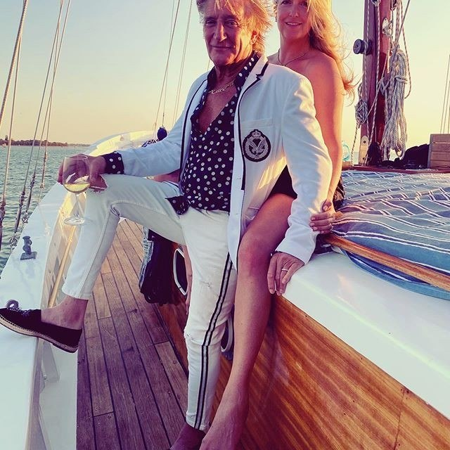 Penny e o marido, o músico Rod Stewart