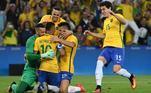 Pentacampeão mundial no futebol masculino, o Brasil tem oito medalhas olímpicas na modalidade somando masculino e feminino. Em 2016, Neymar e cia. conquistaram o primeiro ouro do esporte.