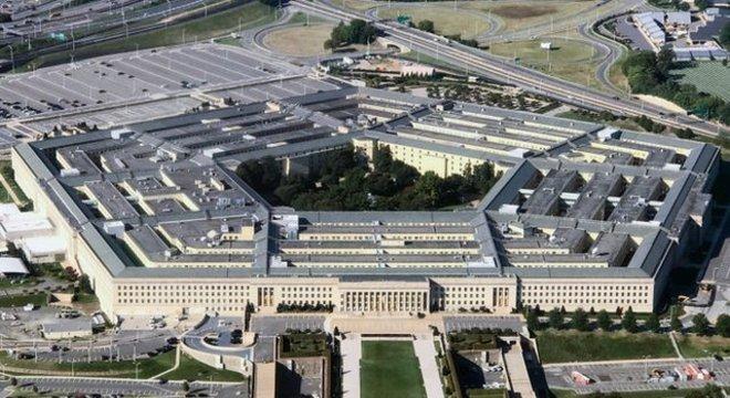 Shanahan assegurou que não participará de decisões do Pentágono (acima) que envolvam a Boeing