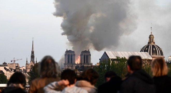A catedral é visitada por milhões de pessoas todos os anos
