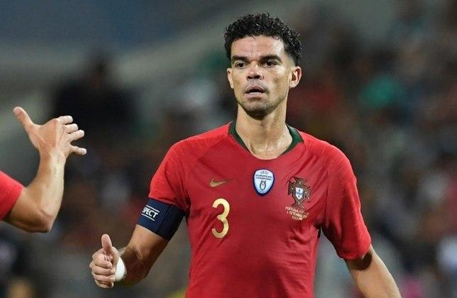 Pepe: após três temporadas atuando no futebol português, o zagueiro nascido em Maceió optou por se naturalizar como cidadão de Portugal e atuar com a seleção europeia na carreira.