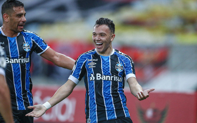 Pepê, do Grêmio, também é uma das revelações do Campeonato Brasileiro até agora. O atacante de 23 anos tem contrato até dezembro de 2024 e valor de mercado de 9 milhões de euros (R$ 59 milhões).