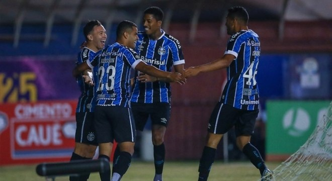 Grêmio venceu o Caxias nesta quarta-feira e ficou próximo do tri