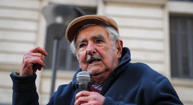 Ex-presidente do Uruguai, Pepe Mujica volta a concorrer ao Senado