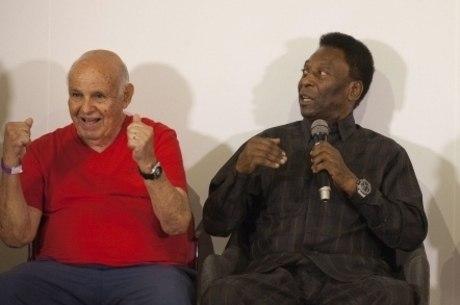 Pelé comemora recuperação de Pepe nas redes