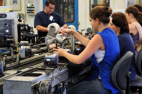 Estudo mostra que indústrias produzem mais