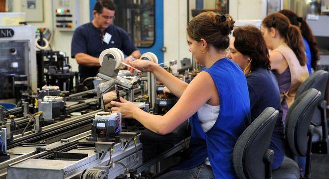 Atividade econômica será impulsionada pelo avanço de 4,4% do PIB industrial, diz CNI