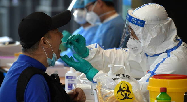Pequim realizou 8 mil testes na semana passada, após surgir surto