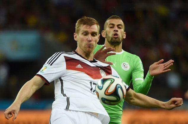 Per Mertesacker (entrou durante o jogo): Zagueiro lendário do Arsenal, o alemão se aposentou em 2018 do futebol e hoje é coordenador dentro do clube inglês.