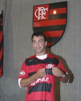 PERALTA - O uruguaio Horacio Peralta não vingou nos oito meses em que defendeu o Flamengo, no ano de 2006