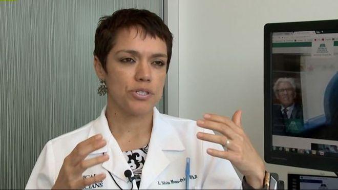ADra. Silvia Munoz-Price, do especialista em infecções do Medical College of Wisconsin, afirmou ao canalKLBSP que esse problema é 'muito raro' e mais de 99% dos donos de cães nunca o terão