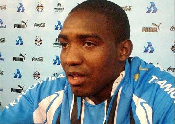 PEREA - O colombiano Perea foi outro gringo que não deixou saudades ao Grêmio. Lidando com lesões e limitações técnicas, não contribuiu para o clube ir bem na Libertadores de 2009