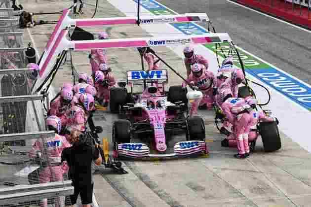 Pérez foi para terceiro após o abandono de Max Verstappen, mas parou nos boxes e não se recuperou mais