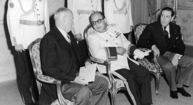 Uslar Pietri foi detido pelas forças do general Marcos Pérez Jiménez (no centro), que governou a Venezuela entre 1948 e 1958