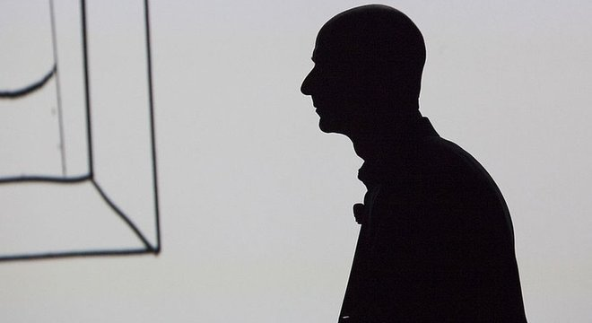 Jeff Bezos deixou um trabalho bem pago e seguro para seguir sua paixão e seu instinto
