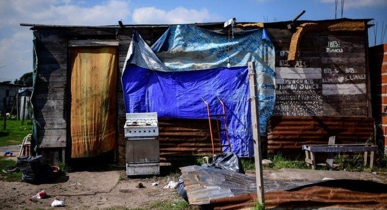População de bairros carentes de Buenos Aires, na Argentina, é mais afetados pela pandemia de covid-19
