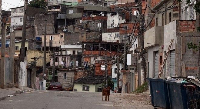 Milhões de brasileiros vivem em sub-residências