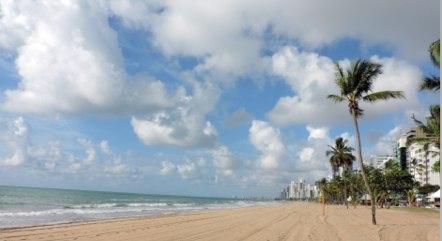 Praia de Boa Viagem, em Recife (PE), neste domingo (21)