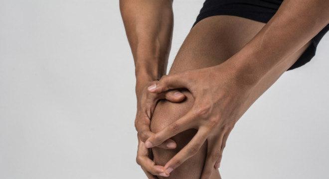 A artrose é uma doença dolorosa degenerativa da cartilagem articular e dos ossos