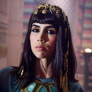 "Pérola Faria, a rainha Khen, em ""Gênesis"""