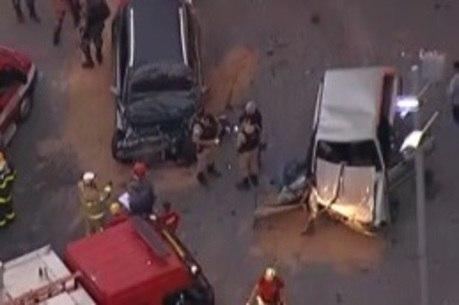 Batida frontal deixou dois feridos na região central da cidade