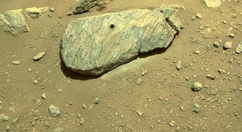 Amostra de rocha de M arte foi recolhida em uma segunda tentativa pelo robô Perseverance