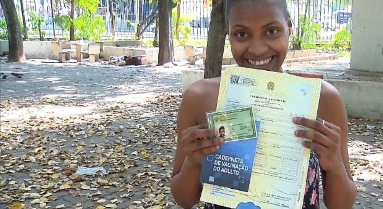 Gisele da Silva, de 22 anos, passou a vida sem ter documentos próprios, mas essa realidade mudou em 2020